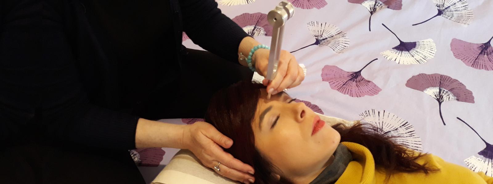 Trattamento Shiatsu e Diapason per il mal di testa